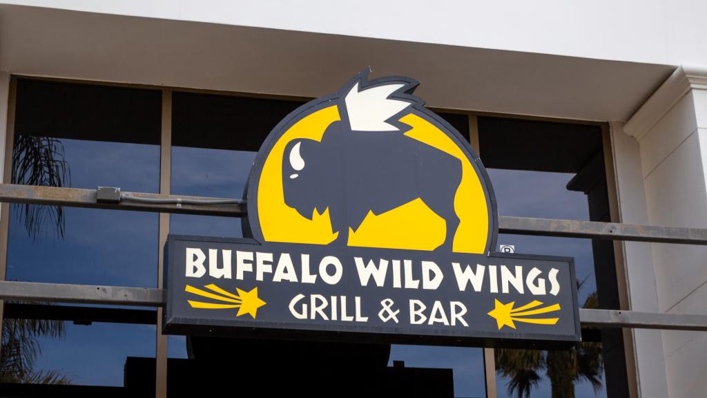 Buffalo Wild Wings Featured Image